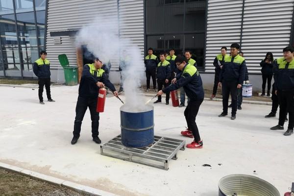 2019年2月26日淞江集团消防演习培训
