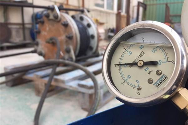 定期对橡胶软接头进行水压检测保证产品质量问题